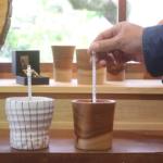 【保温力対決!】杉のコップ VS 陶器 保温力が高いのってどっち?!